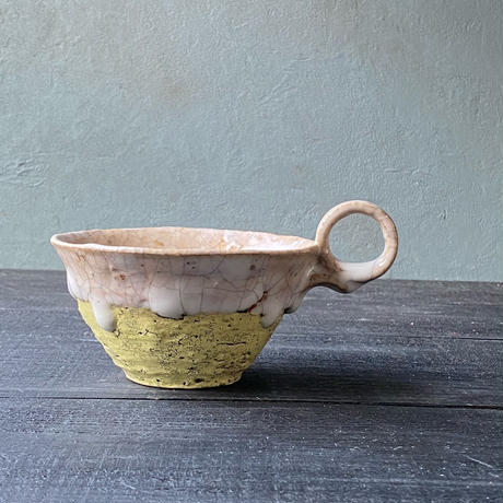 片瀬和宏 マグカップ平黄色