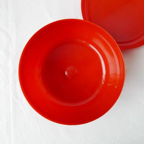 赤い入れ物