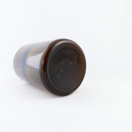 木のフタの薬品瓶