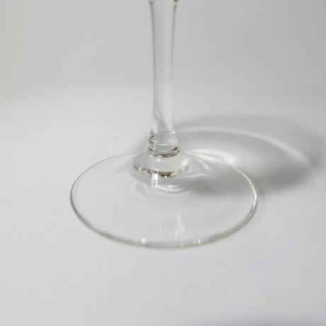 小さなワイングラス