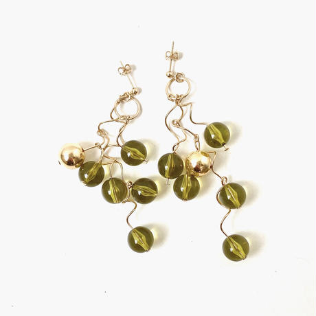 [ gold ×  lime ]une ball pierce/earring