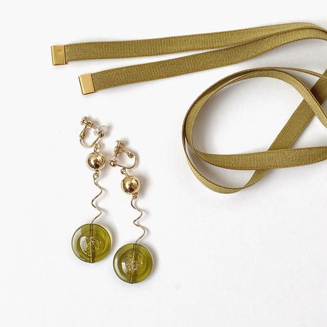 [ olive / gold ]  glitter une pierce/earring