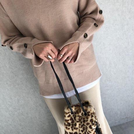 袖・裾スリットデザインニット