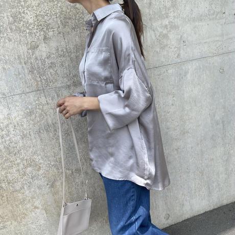 バックギャザーデザインサテンビッグシャツ(2color)