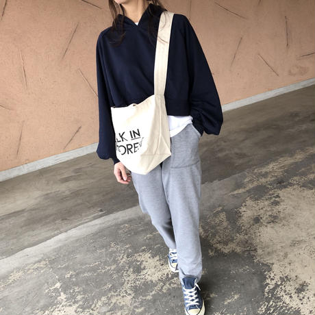 タック入りボリューム袖ショート丈パーカー(2color)【クリックポスト対象商品】