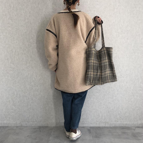 オーバーサイズでゆる可愛い!レザー調ノーカラーパイピングボアミドル丈コート(3color)