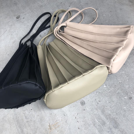 再入荷!インナーポーチ付き!プリーツデザインバッグ(3color)