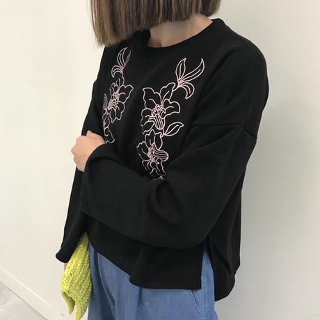 ★特別価格★花柄刺繍入り裏毛プルオーバー(3color)