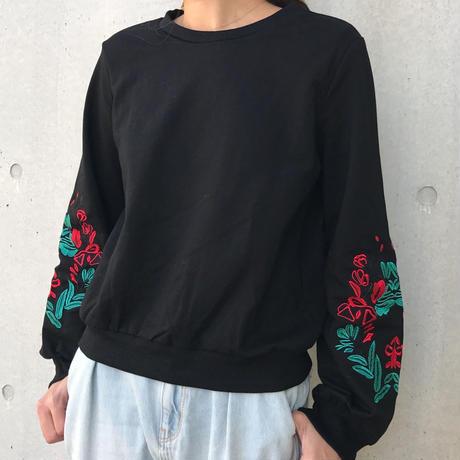 プルオーバーワイドスリーブ袖花柄刺繍(2color)