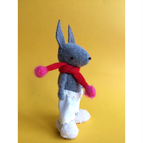 SKIPPITY HOPP/うさぎマフラー人形「ハンドメイド」キャンペーン価格