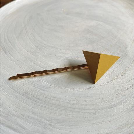 三角形ヘアピン マスタードイエロー