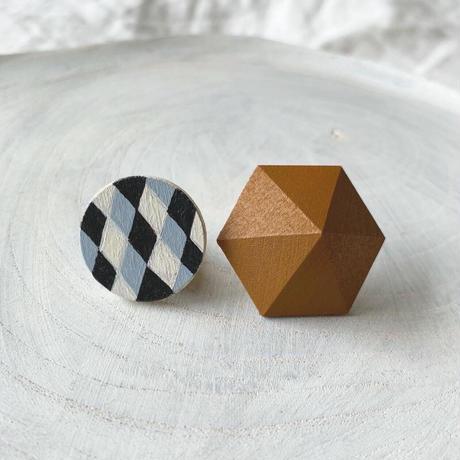サークル&六角形ピアス(セット) ダイヤ柄/キャラメルブラウン