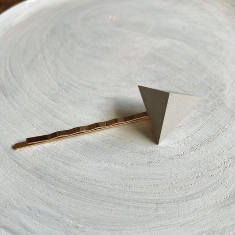 三角形ヘアピン グレー