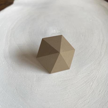 六角形ピアス オリーブ