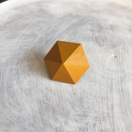 六角形ピアス マスタードイエロー
