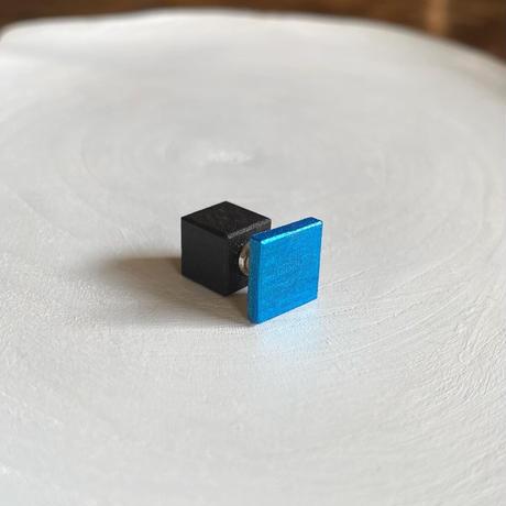 ダブルピアス(スクエア&キューブ) ネオンブルー/ブラック