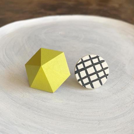 六角形&サークルピアス(セット) レモンイエロー/ホワイト(チェック)