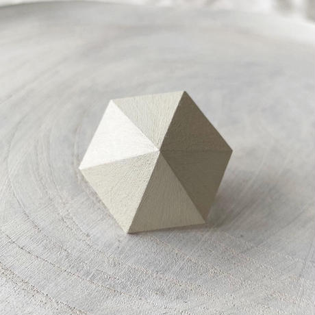 六角形イヤリング ホワイト