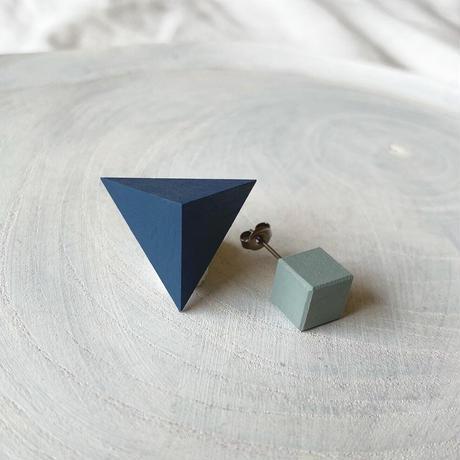 三角形&キューブピアス(セット) ブルー/エッグシェルグリーン