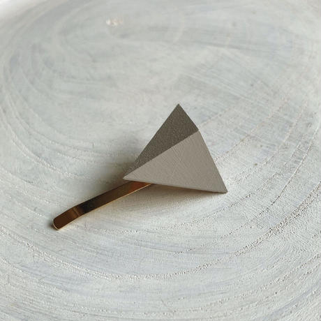 三角形ポニーフック グレー