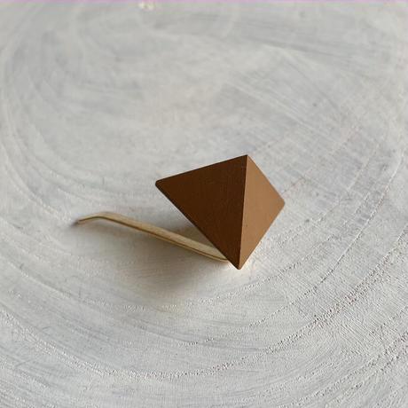 三角形ポニーフック キャメル