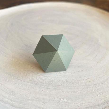 六角形ピアス エッグシェルグリーン
