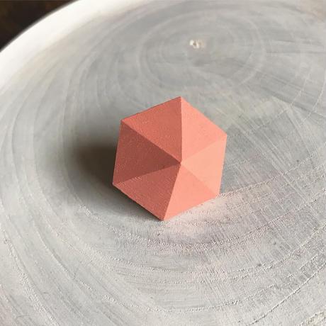 六角形イヤリング(サーモンピンク)