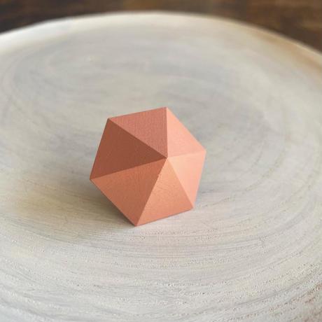 六角形ピアス サーモンピンク