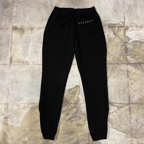 株式會社捌拾弐 Embroidery sweat pants (BLK)