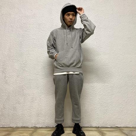 株式會社捌拾弐 Embroidery sweat pants (GRY)