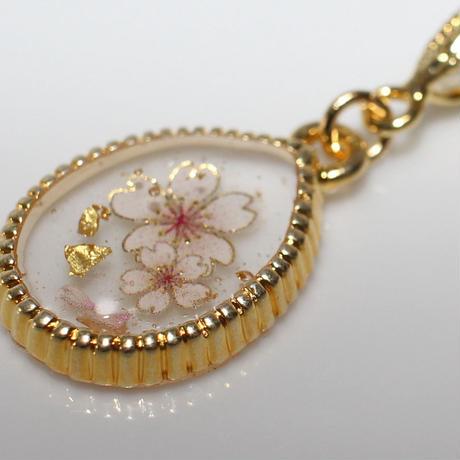 桜と金箔のプチネックレス