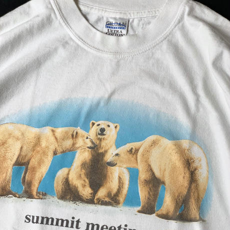 "2000s ""summit meeting."" T-Shirt"