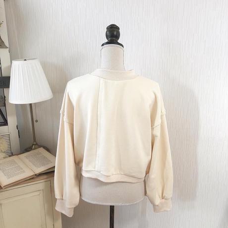 design wm pullover (milk)