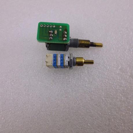RK097 TYPE  SW付き 2連2軸ボリューム  A50K-B10K ( ZHW-576 )