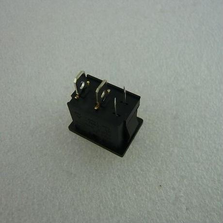 東京ハイパワー製リニアーアンプの修理用  MIYAMA DS-850K-S-LR 代替ロッカースイッチ 赤LED付 ( ZHW-275 )