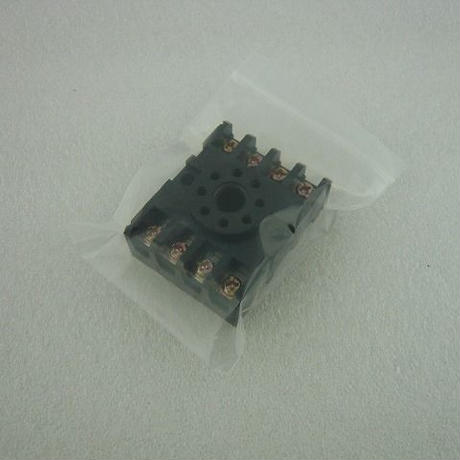 GT管も取り付けられる8PIN端子ソケット