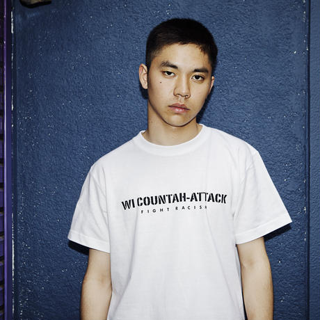 T-Shirt: Wi Countah-Attack - Fight Racism  (white with stickers)