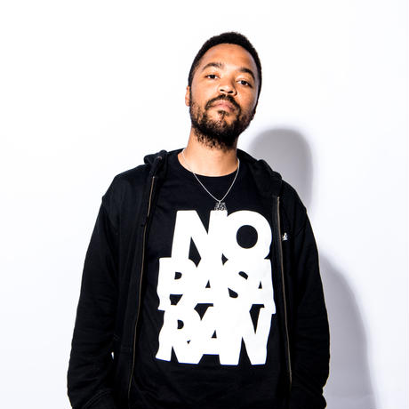 T-Shirt: No Pasaran by Kitayama Masakazu (black)