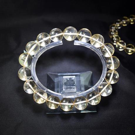 「シトリン・珠径12mm・腕サイズ16/17cm」大き目の珠でもくっきりとした透明感。明るい黄色が魅力です♪