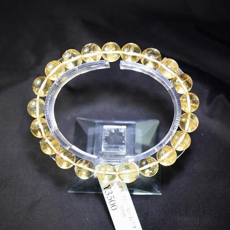 「シトリン・珠径10mm・腕サイズ16cm」レインボーも見られる透明感のある明るい黄色が魅力です[AB91]