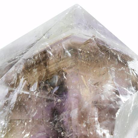 「エレスチャルアメジスト・みがき原石」結晶の中の山水画のような世界をお楽しみください。