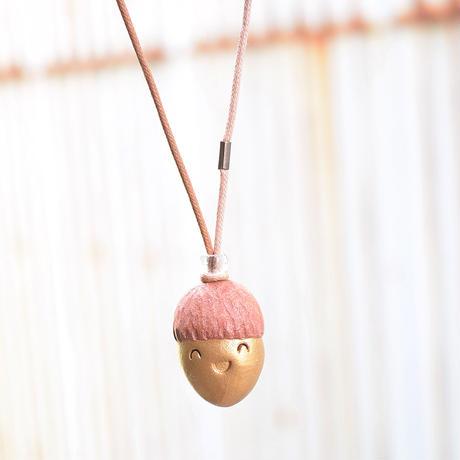 【注文制作品】「どんぐり君コードネックレス」◆どんぐりと山猫セットから飛び出しました◆長さ調整自由です◆