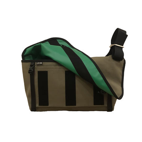 SLASH  Canvas Medium [Khaki x Black x Kelly green ]  傷有x B品の為
