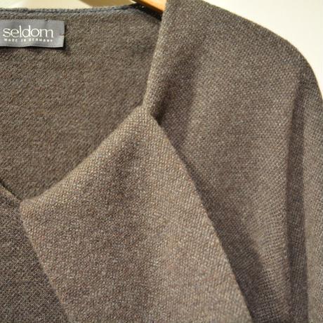 -seldom- V‐neck sweater ‐BROWN‐