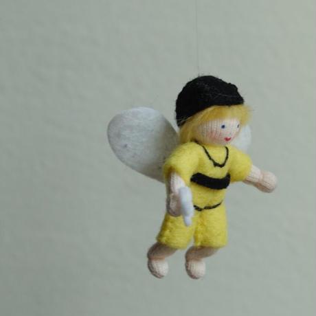 アンブロシウス  みつばちの妖精 黄色