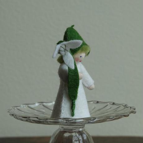アンブロシウス  スノードロップの妖精(手に花)