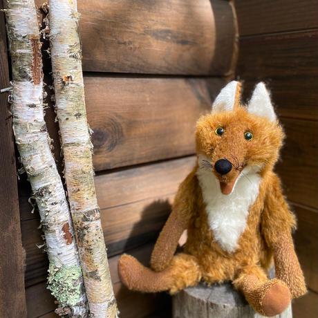 バーレーベンどうぶつ手人形 きつねのラウデンフェル