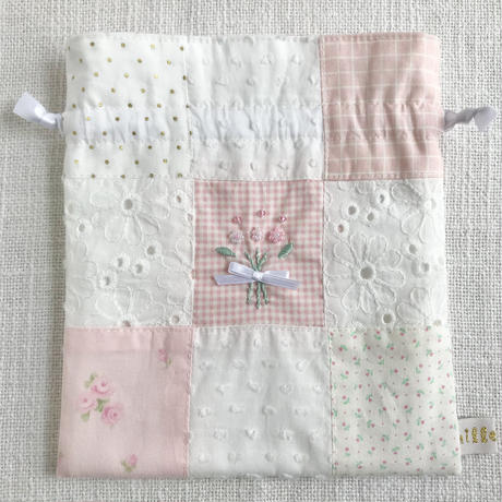mille+feel     ビーズししゅう パッチワーク巾着ポーチ / PINK
