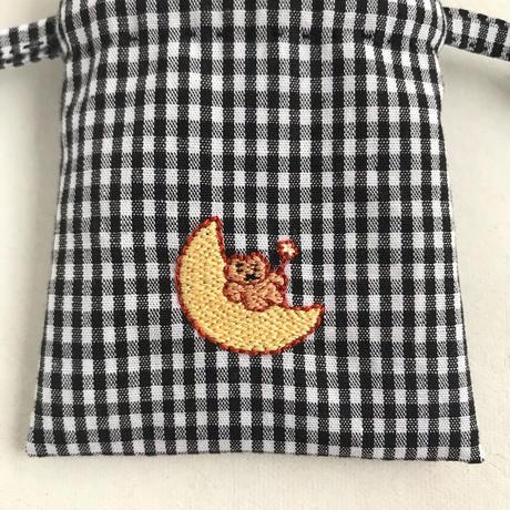 namakekakemono   小さい巾着/ お月さまにのったくま