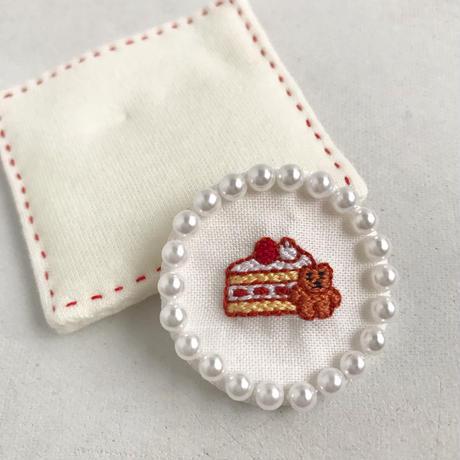 namakekakemono | まんまるブローチ/ ショートケーキとくま